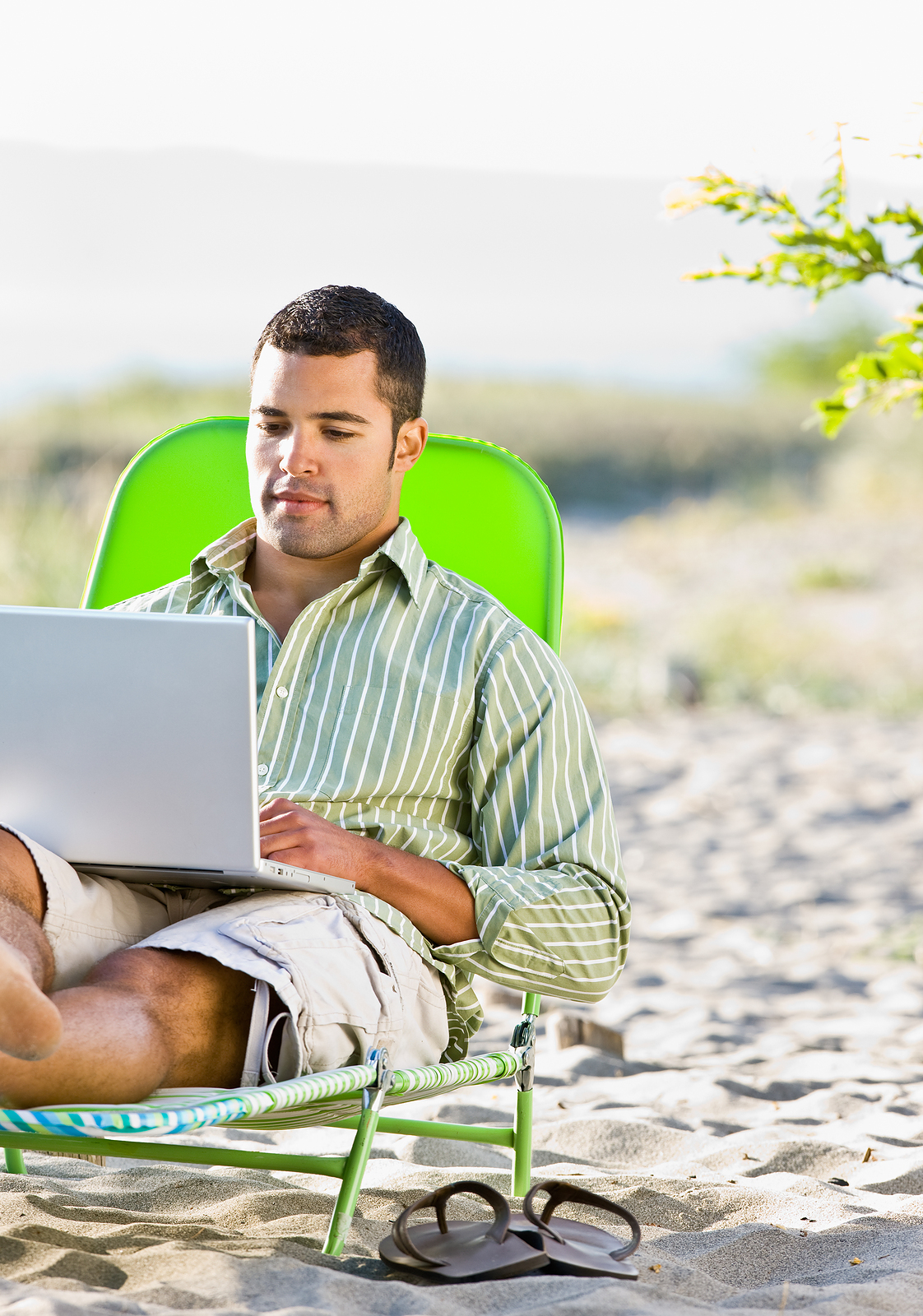 Read more about the article 10 Blogs to Add to Your Summer Reading List