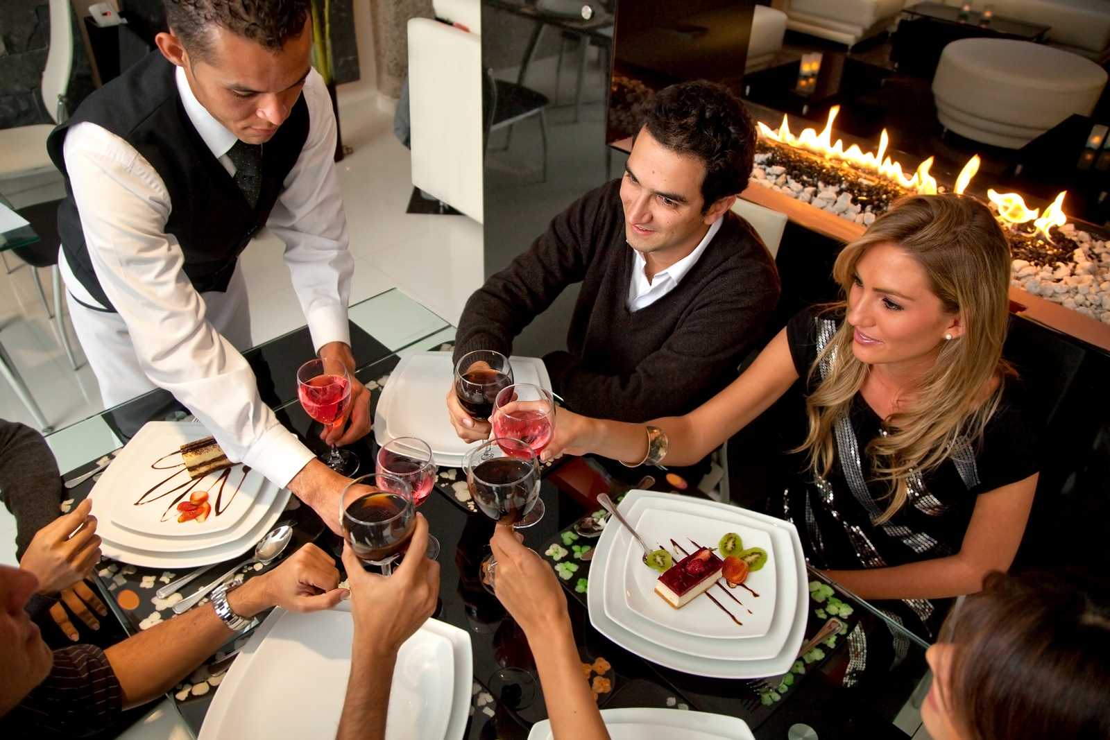Read more about the article Pew Research Says 17% of Adults Use Restaurant Review Sites