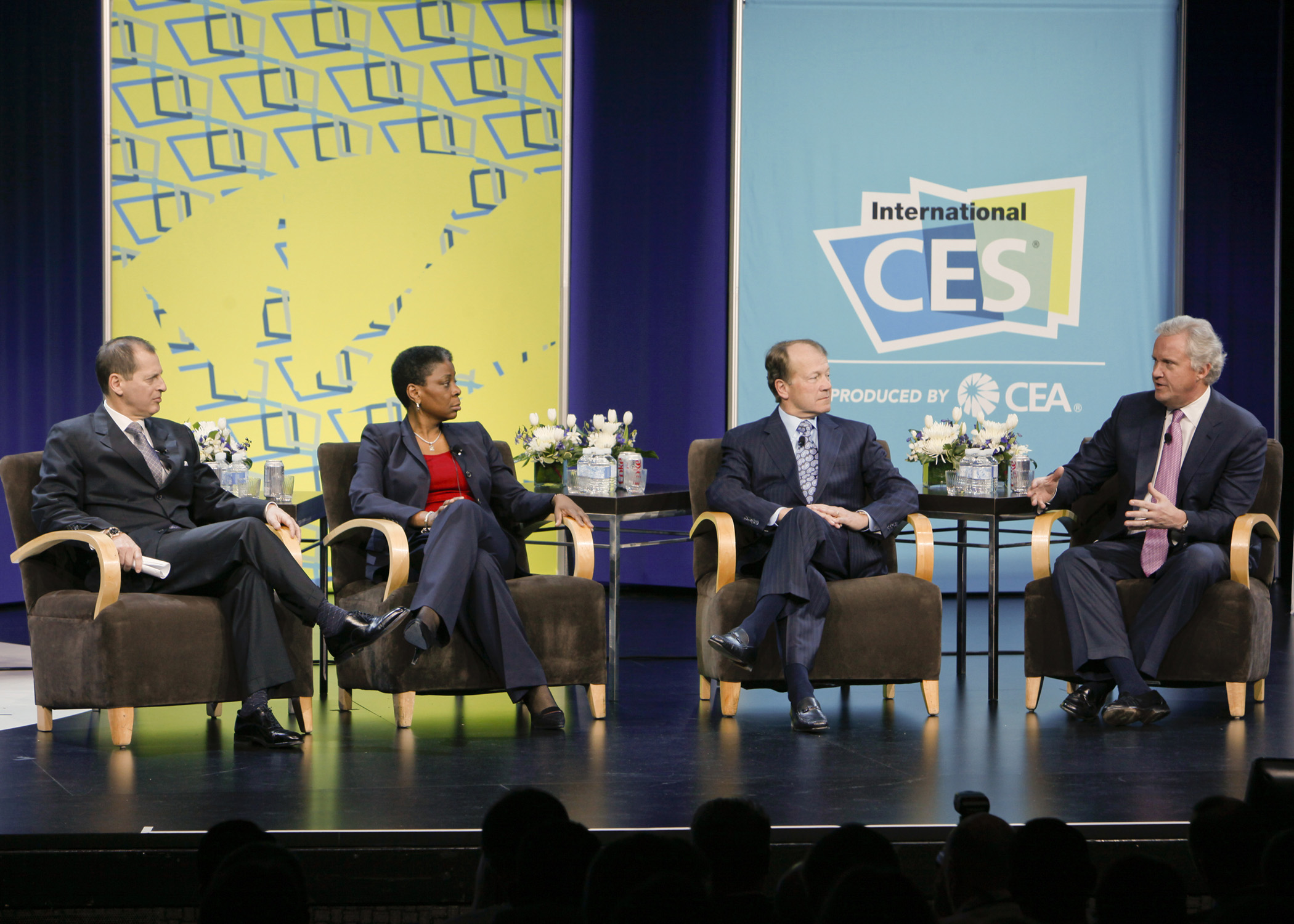 Read more about the article Social Media Club CES Preview