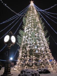 Using Social Media to Give Back This Holiday Season