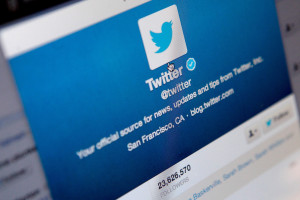 Read more about the article Twitter tightens its wings